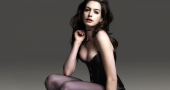Anne Hathaway insists that she can be sexy
